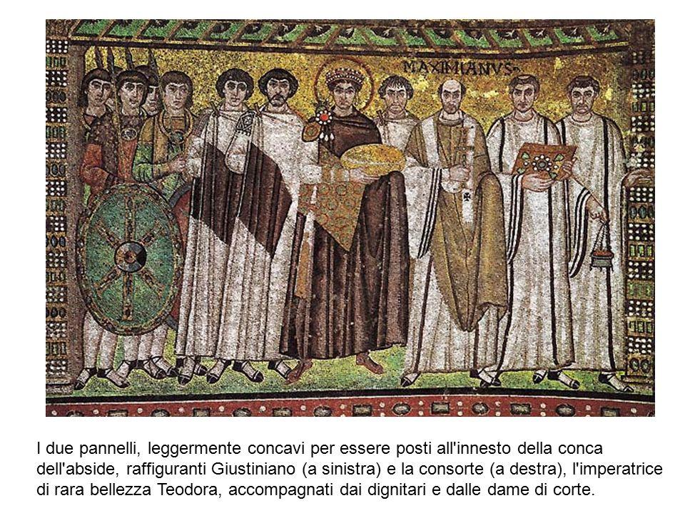 I due pannelli, leggermente concavi per essere posti all innesto della conca dell abside, raffiguranti Giustiniano (a sinistra) e la consorte (a destra), l imperatrice di rara bellezza Teodora, accompagnati dai dignitari e dalle dame di corte.
