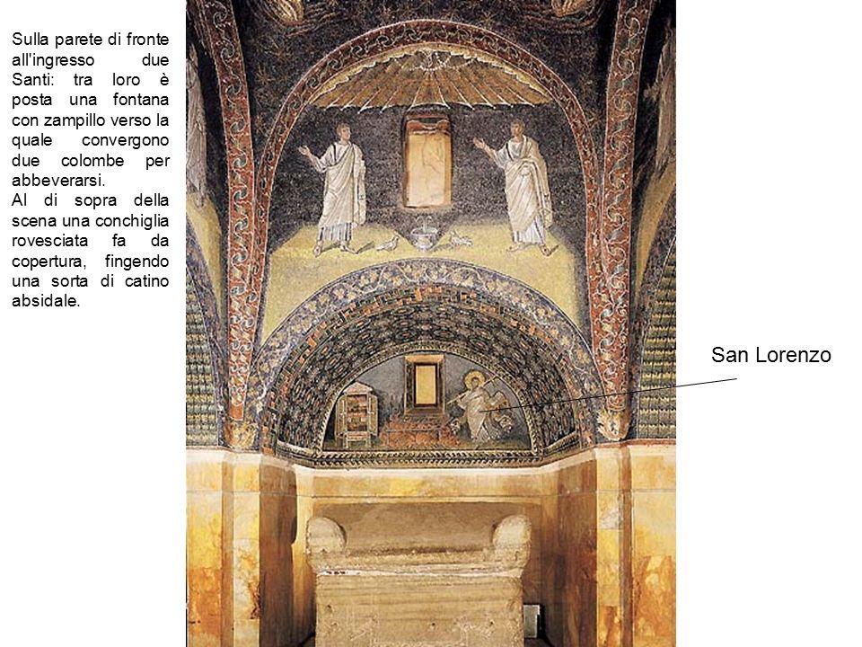 Sulla parete di fronte all ingresso due Santi: tra loro è posta una fontana con zampillo verso la quale convergono due colombe per abbeverarsi.