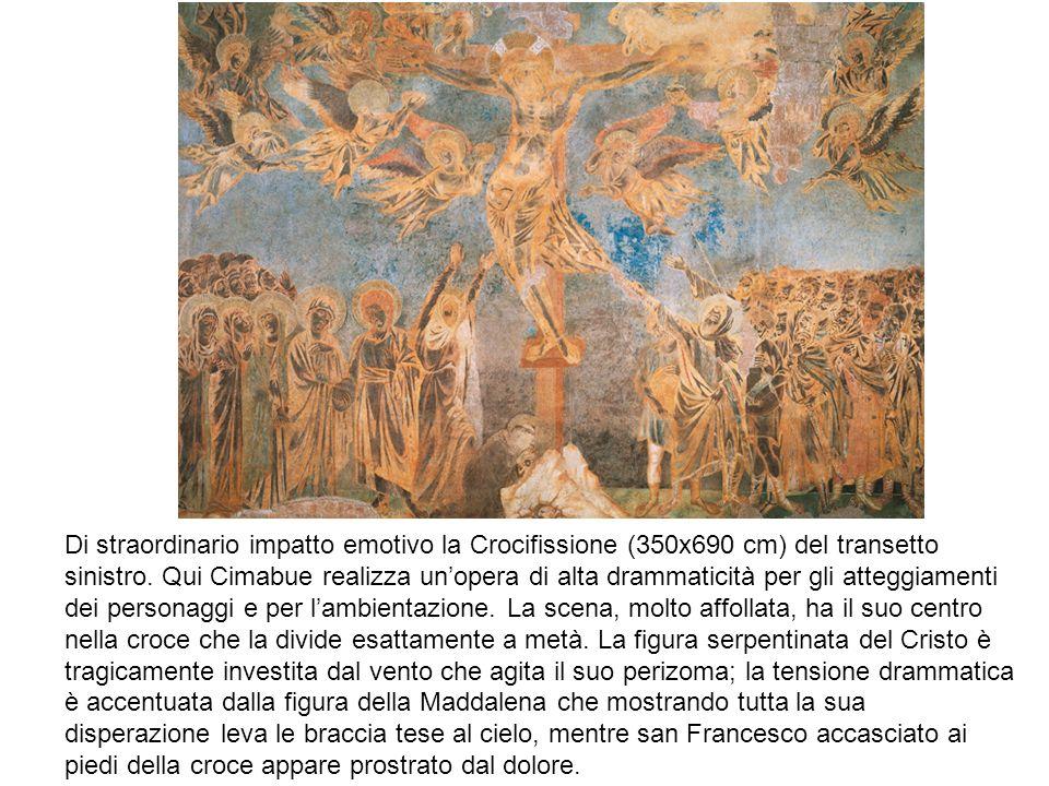 Di straordinario impatto emotivo la Crocifissione (350x690 cm) del transetto sinistro.