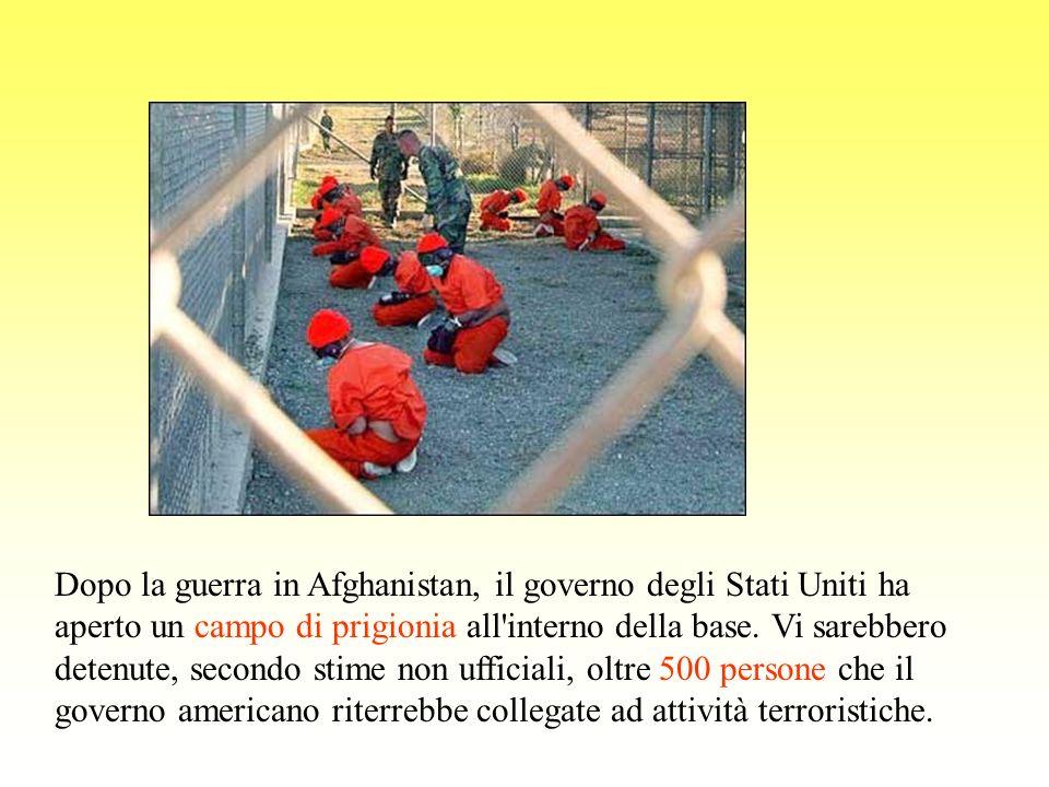 Dopo la guerra in Afghanistan, il governo degli Stati Uniti ha aperto un campo di prigionia all interno della base.