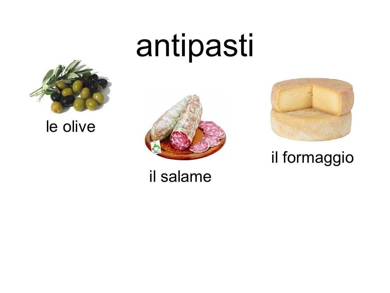 antipasti le olive il formaggio il salame