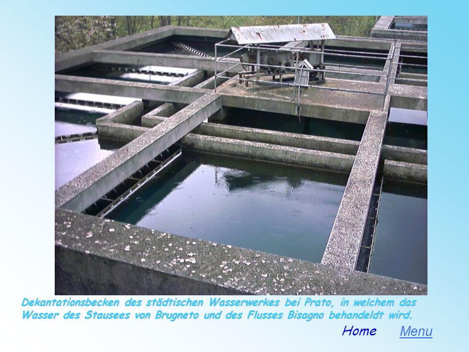 Dekantationsbecken des städtischen Wasserwerkes bei Prato, in welchem das Wasser des Stausees von Brugneto und des Flusses Bisagno behandeldt wird.
