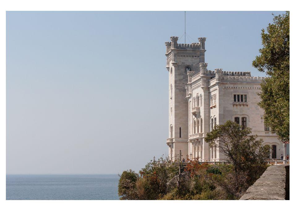 Il castello che Massimiliano d'Austria fece costruire per l'amata moglie Carlotta, principessa del Belgio