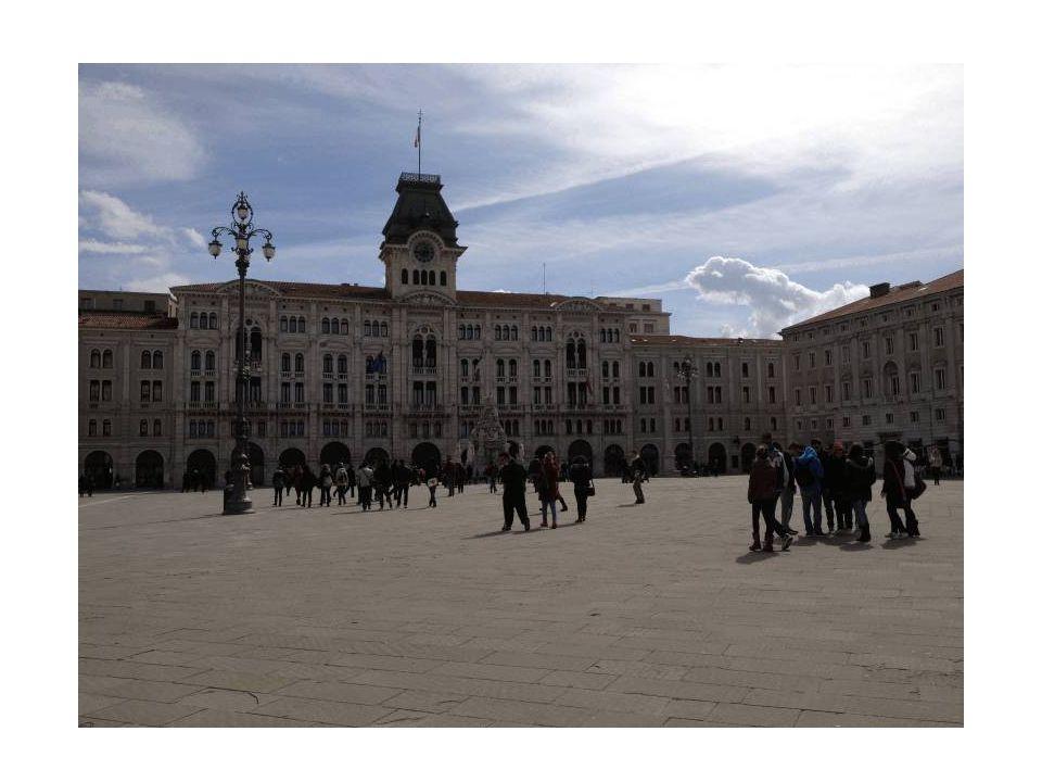 Trieste: Piazza dell Unità d Italia è oggi la piazza aperta sul mare più grande d Europa