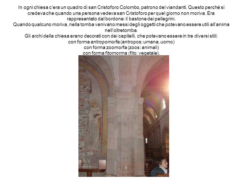 In ogni chiesa c'era un quadro di san Cristoforo Colombo, patrono dei viandanti.