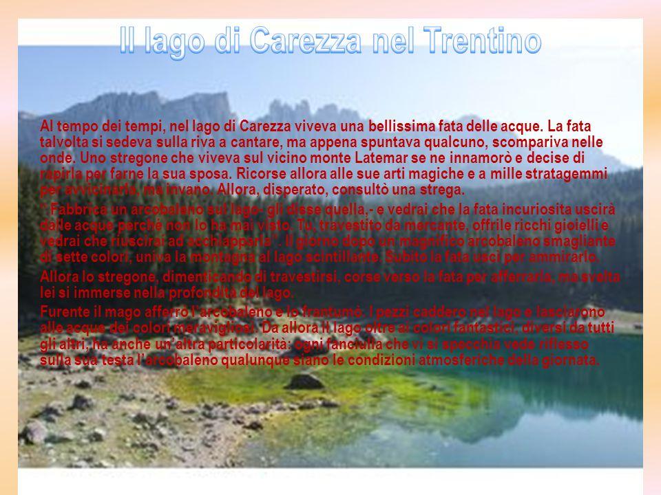 Il lago di Carezza nel Trentino