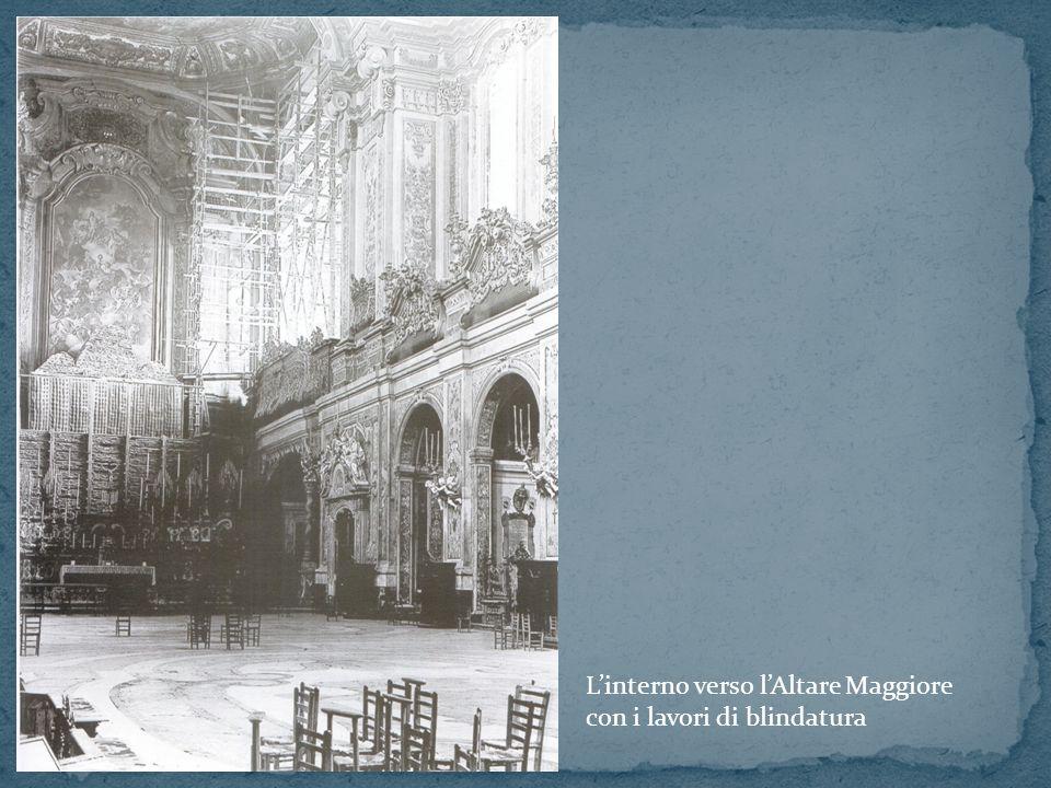 L'interno verso l'Altare Maggiore
