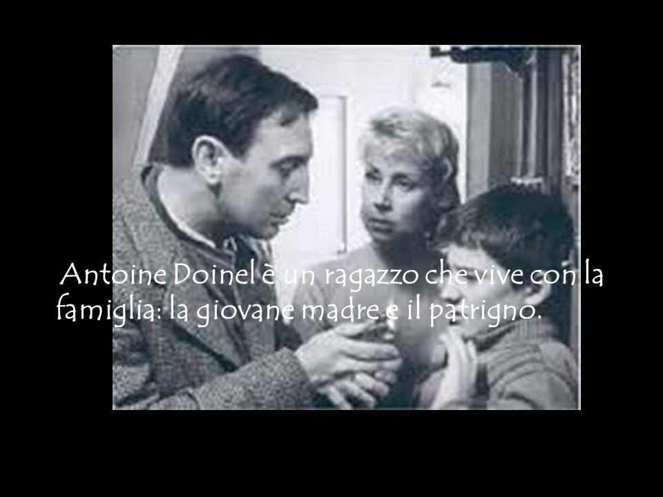 Antoine Doinel è un ragazzo che vive con la famiglia: la giovane madre e il patrigno.