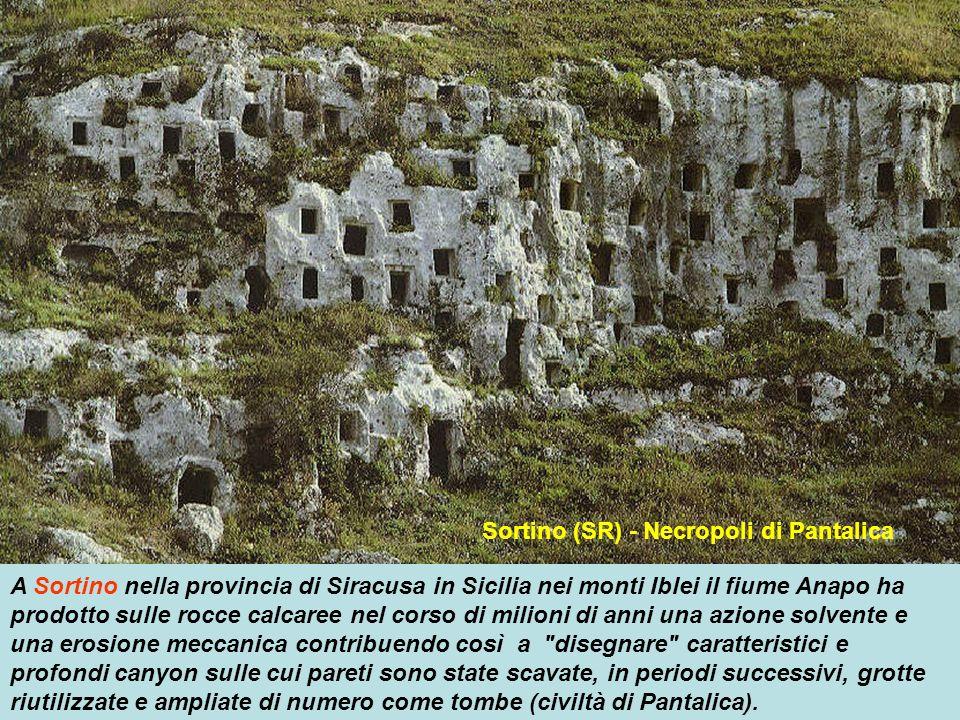 Sortino (SR) - Necropoli di Pantalica