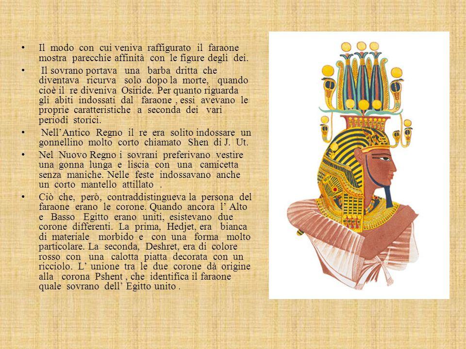 Il modo con cui veniva raffigurato il faraone mostra parecchie affinità con le figure degli dei.
