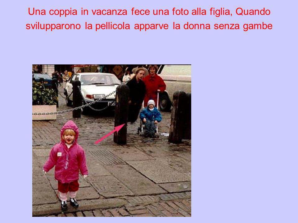 Una coppia in vacanza fece una foto alla figlia, Quando svilupparono la pellicola apparve la donna senza gambe