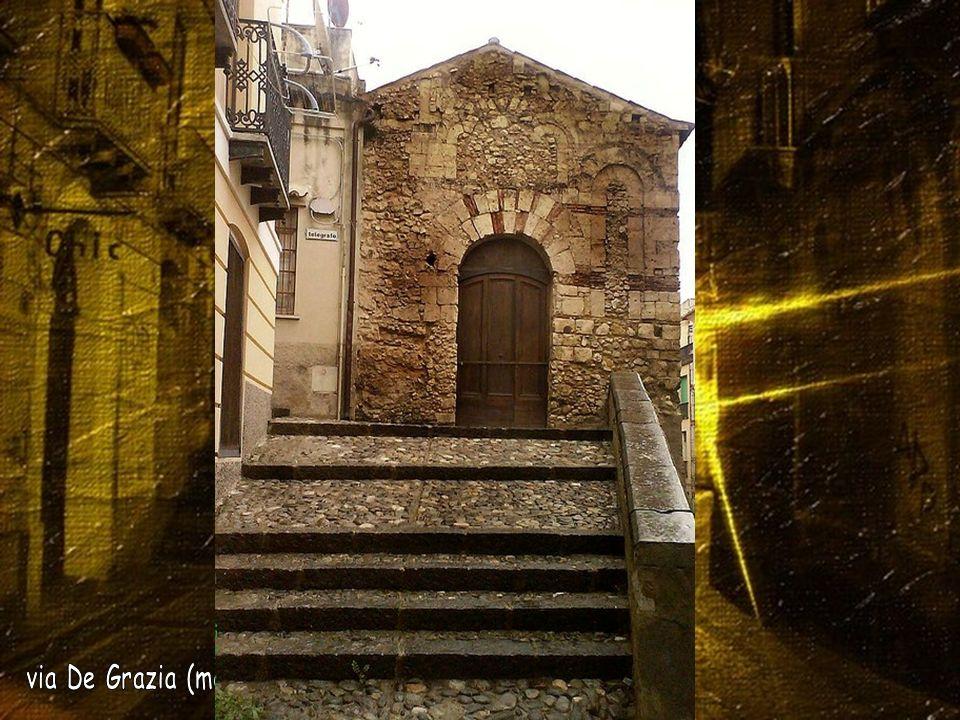 via De Grazia (medioevale chiesetta di Sant Omobono)