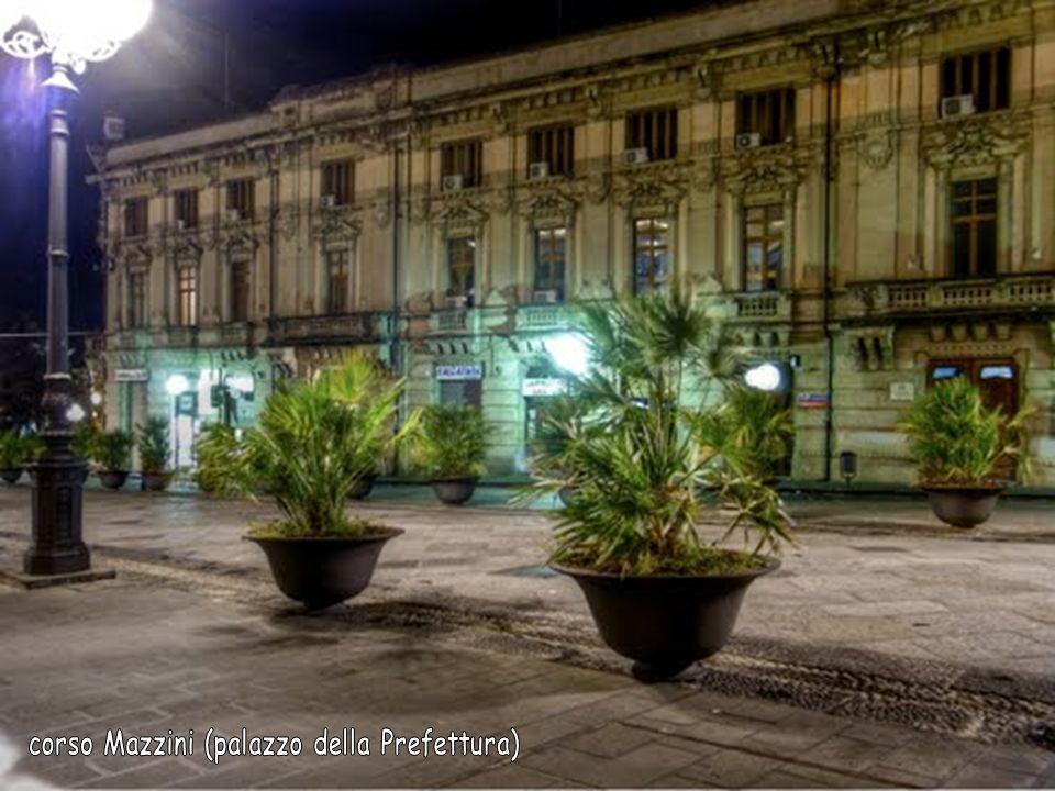 corso Mazzini (palazzo della Prefettura)