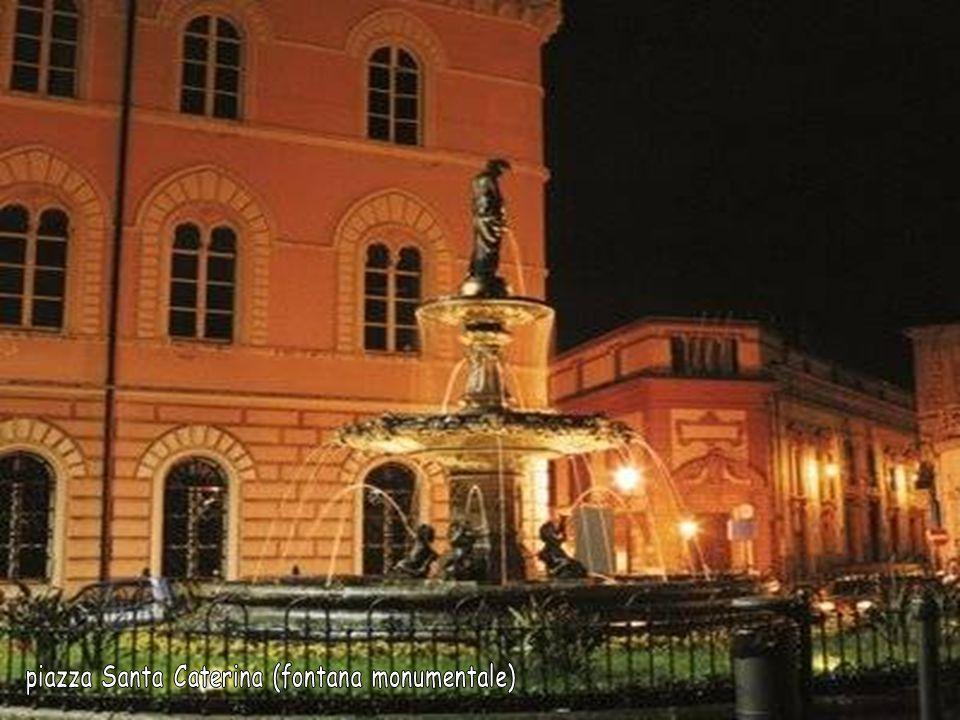 piazza Santa Caterina (fontana monumentale)