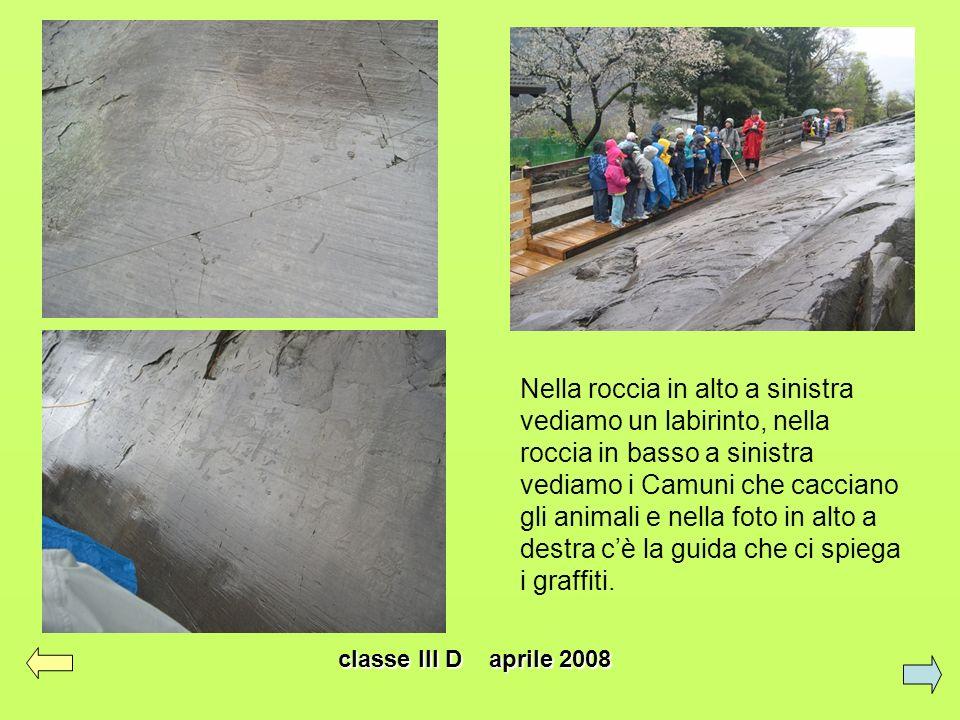 Nella roccia in alto a sinistra vediamo un labirinto, nella roccia in basso a sinistra vediamo i Camuni che cacciano gli animali e nella foto in alto a destra c'è la guida che ci spiega i graffiti.