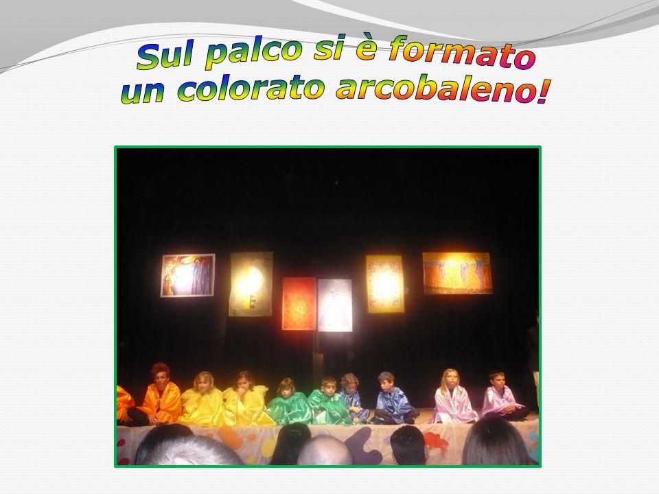 Sul palco si è formato un colorato arcobaleno!