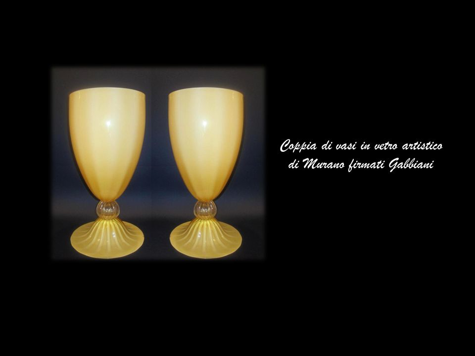 Coppia di vasi in vetro artistico di Murano firmati Gabbiani