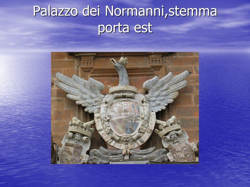 Palazzo dei Normanni,stemma porta est