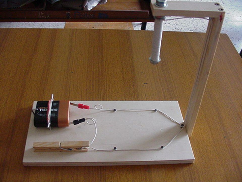 Elettrocalamita Bullone di ferro Chiodini Batteria di pile 4,5 volt