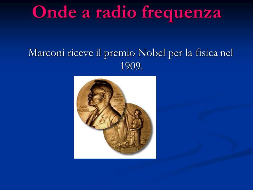 Marconi riceve il premio Nobel per la fisica nel 1909.