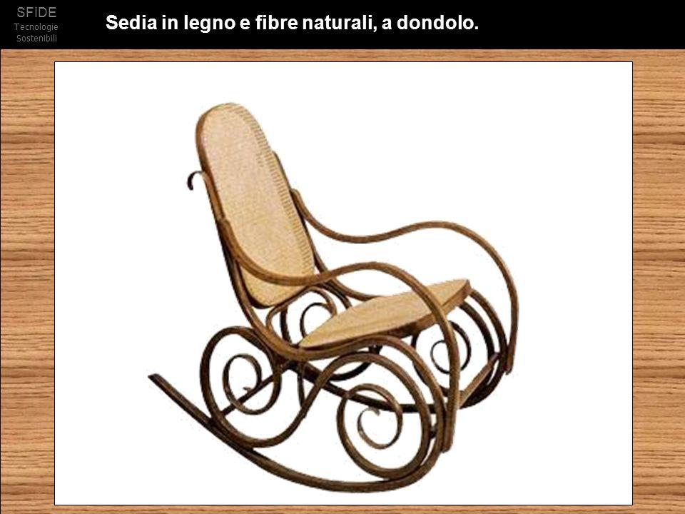 Sedia in legno e fibre naturali, a dondolo.