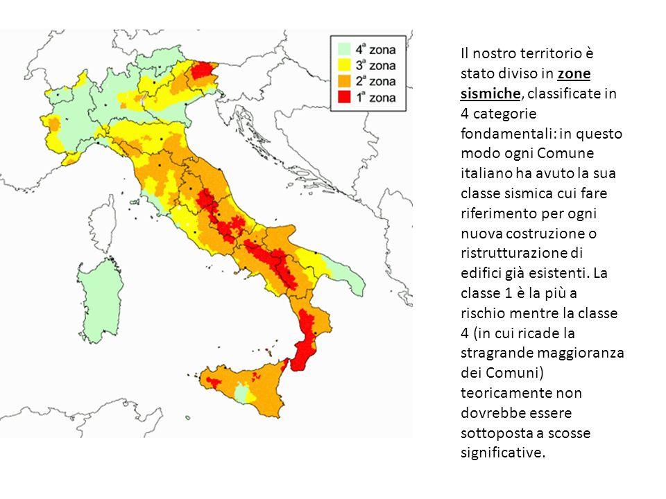 Il nostro territorio è stato diviso in zone sismiche, classificate in 4 categorie fondamentali: in questo modo ogni Comune italiano ha avuto la sua classe sismica cui fare riferimento per ogni nuova costruzione o ristrutturazione di edifici già esistenti.