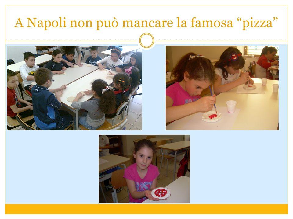 A Napoli non può mancare la famosa pizza
