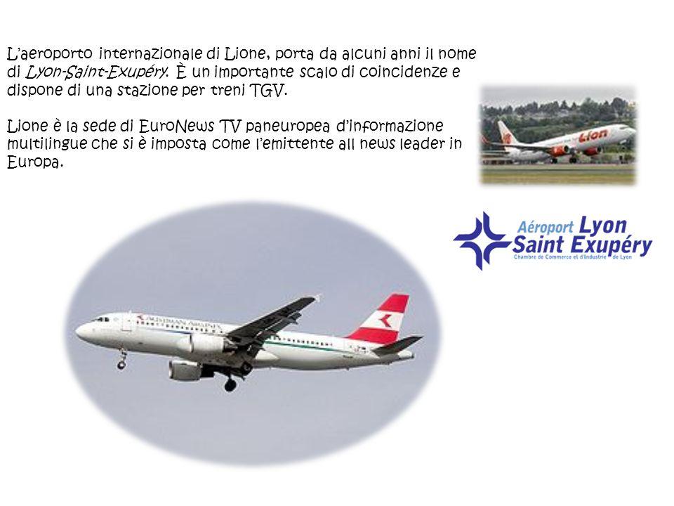 L'aeroporto internazionale di Lione, porta da alcuni anni il nome di Lyon-Saint-Exupéry. È un importante scalo di coincidenze e dispone di una stazione per treni TGV.
