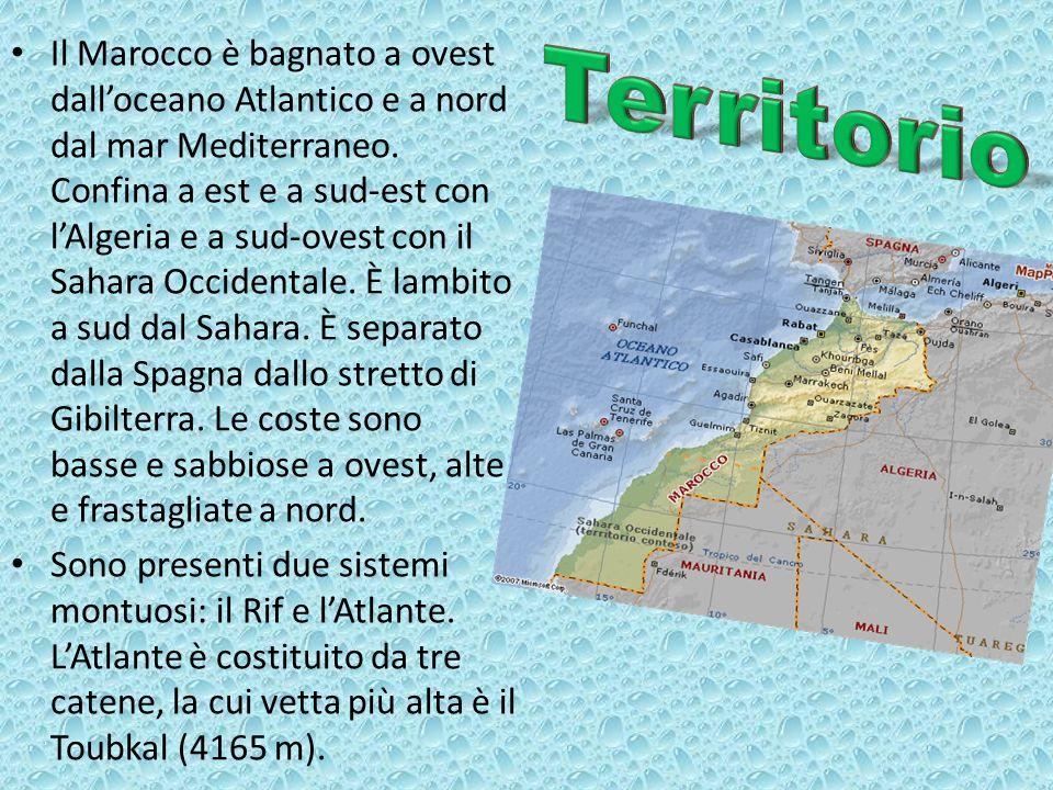 Il Marocco è bagnato a ovest dall'oceano Atlantico e a nord dal mar Mediterraneo. Confina a est e a sud-est con l'Algeria e a sud-ovest con il Sahara Occidentale. È lambito a sud dal Sahara. È separato dalla Spagna dallo stretto di Gibilterra. Le coste sono basse e sabbiose a ovest, alte e frastagliate a nord.