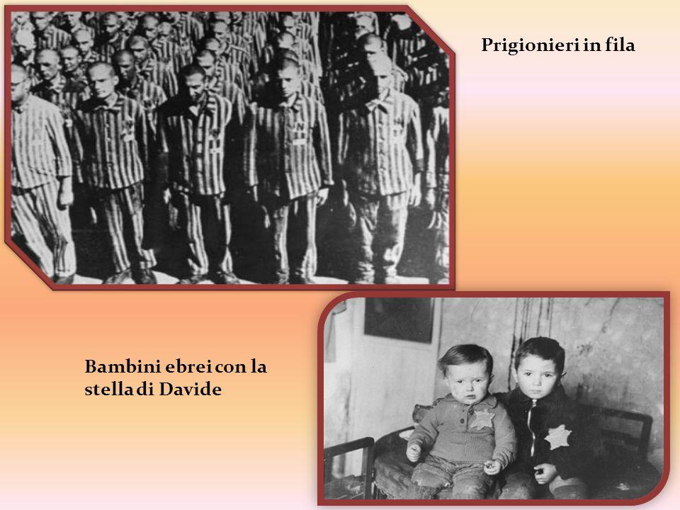 Prigionieri in fila Bambini ebrei con la stella di Davide