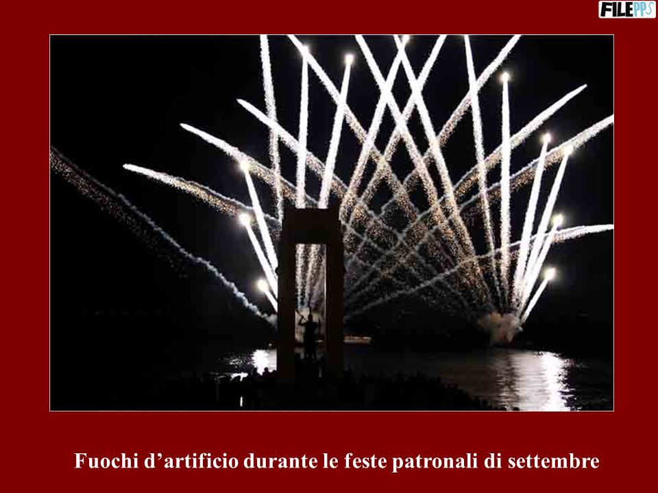 Fuochi d'artificio durante le feste patronali di settembre