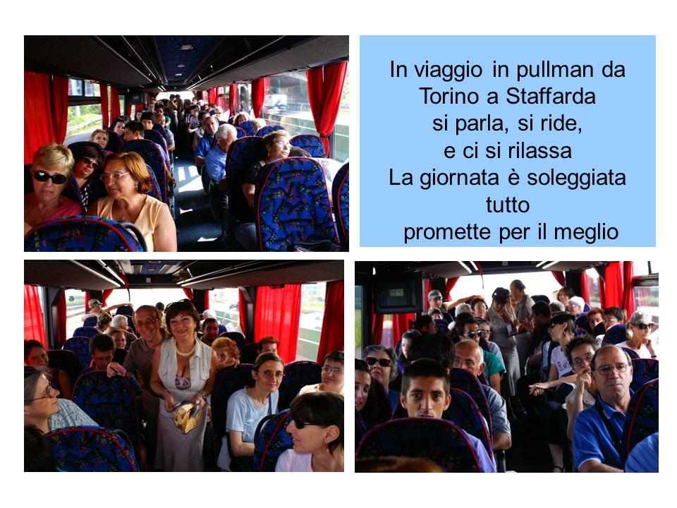 In viaggio in pullman da Torino a Staffarda si parla, si ride,