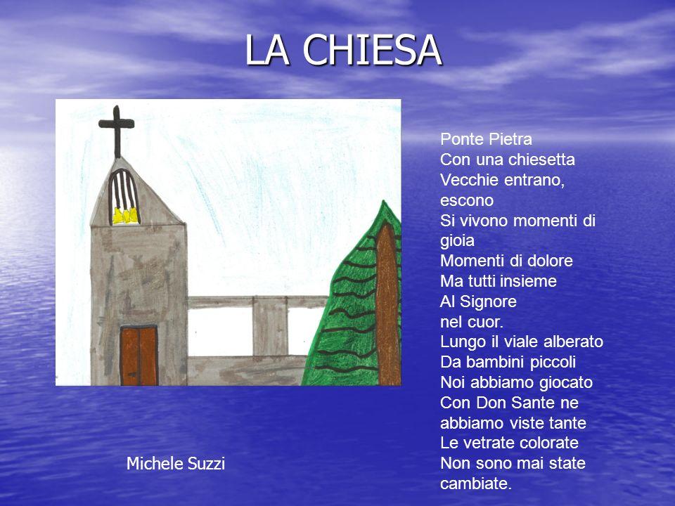LA CHIESA Ponte Pietra Con una chiesetta Vecchie entrano, escono