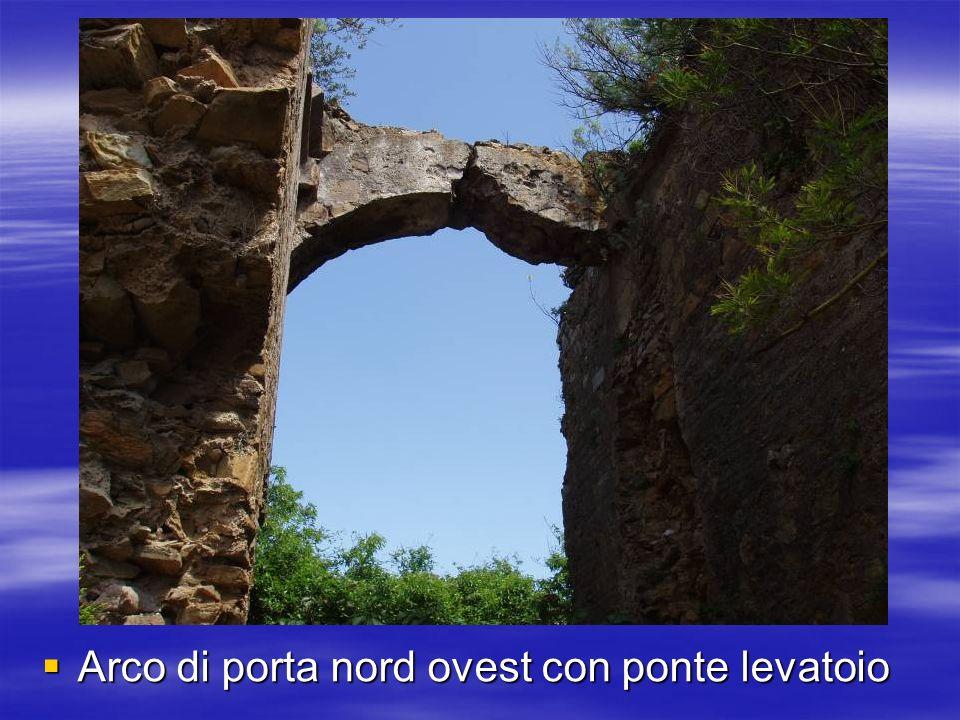 Arco di porta nord ovest con ponte levatoio