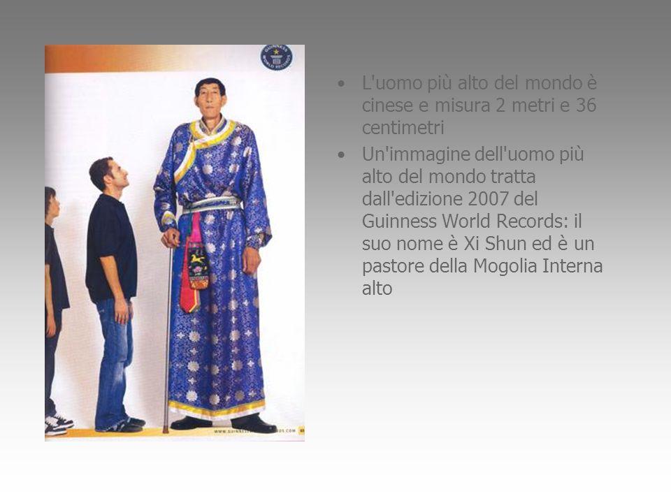 L uomo più alto del mondo è cinese e misura 2 metri e 36 centimetri