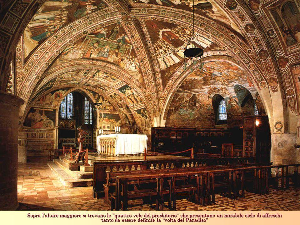Sopra l'altare maggiore si trovano le quattro vele del presbiterio che presentano un mirabile ciclo di affreschi tanto da essere definite la volta del Paradiso