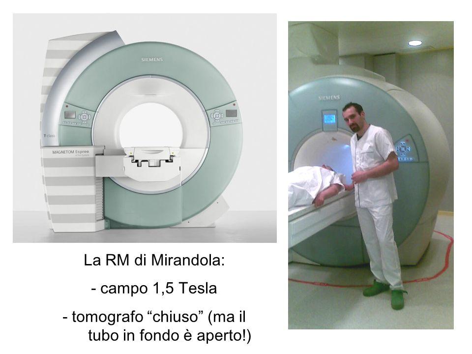 - tomografo chiuso (ma il tubo in fondo è aperto!)