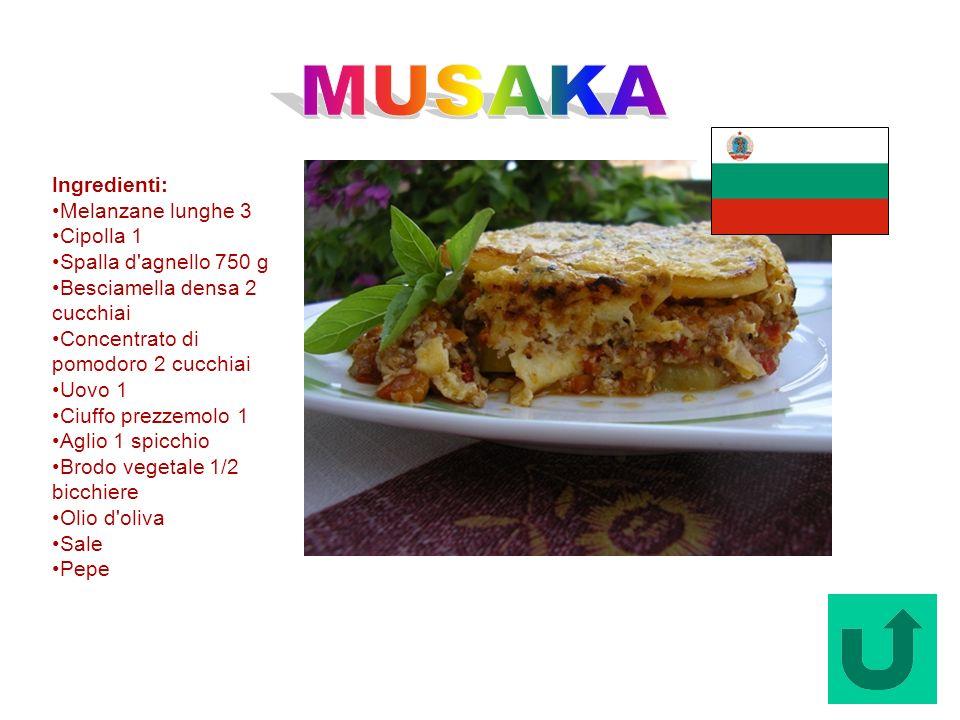 MUSAKA Ingredienti: Melanzane lunghe 3 Cipolla 1