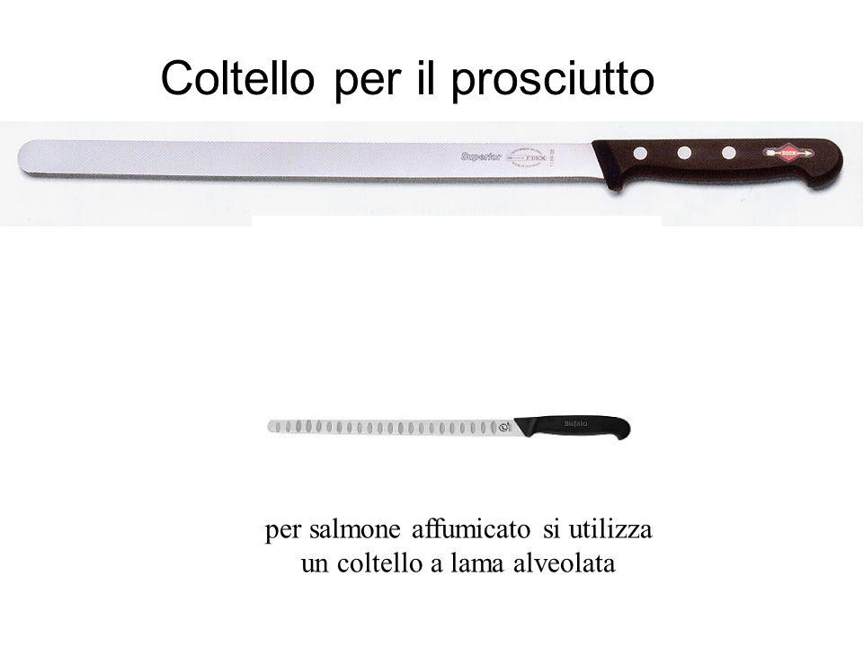 per salmone affumicato si utilizza un coltello a lama alveolata