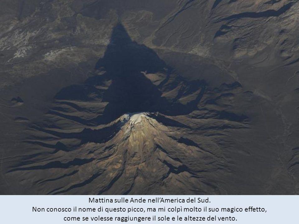 Mattina sulle Ande nell'America del Sud.