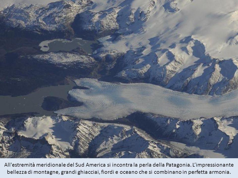 All estremità meridionale del Sud America si incontra la perla della Patagonia. L'impressionante bellezza di montagne, grandi ghiacciai, fiordi e oceano che si combinano in perfetta armonia.