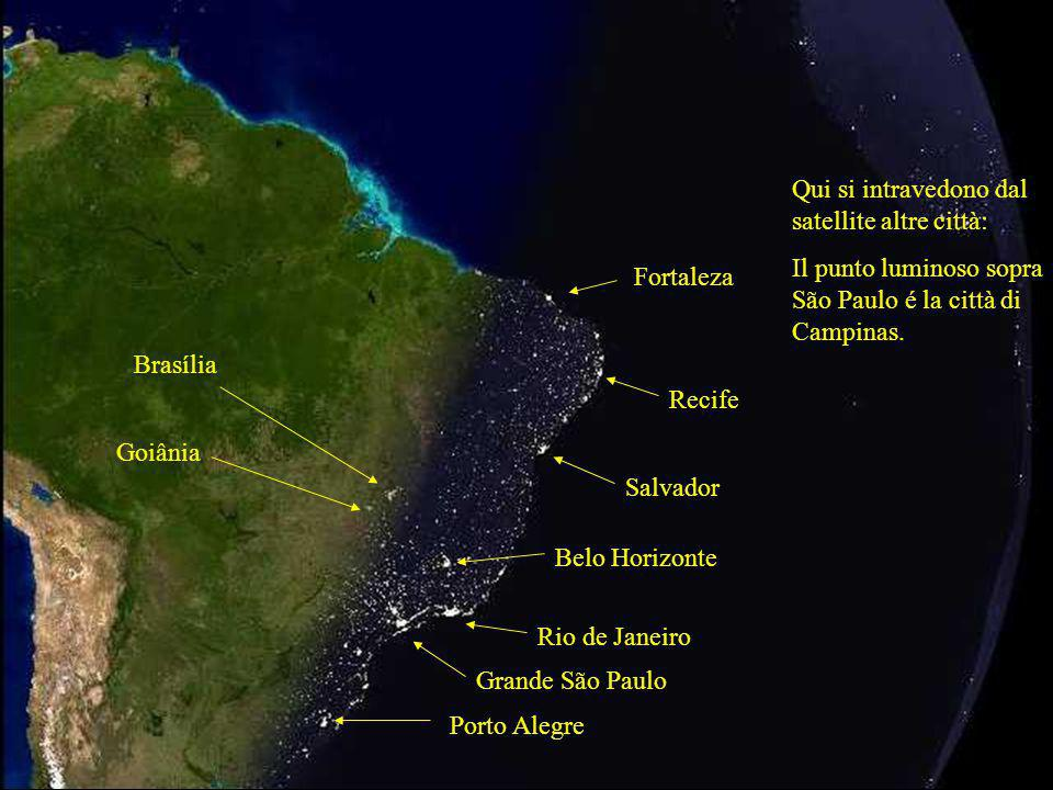 Qui si intravedono dal satellite altre città: