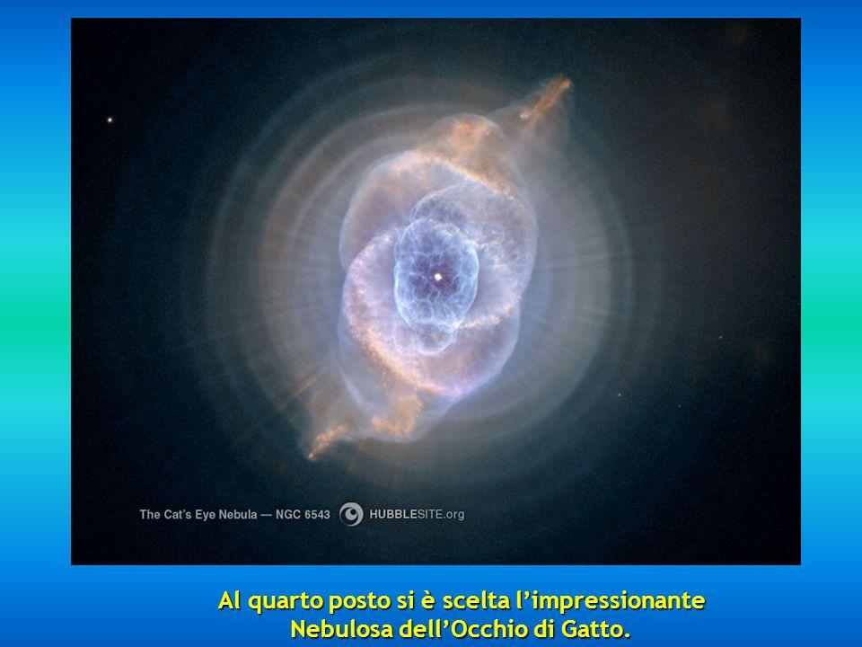 Al quarto posto si è scelta l'impressionante Nebulosa dell'Occhio di Gatto.