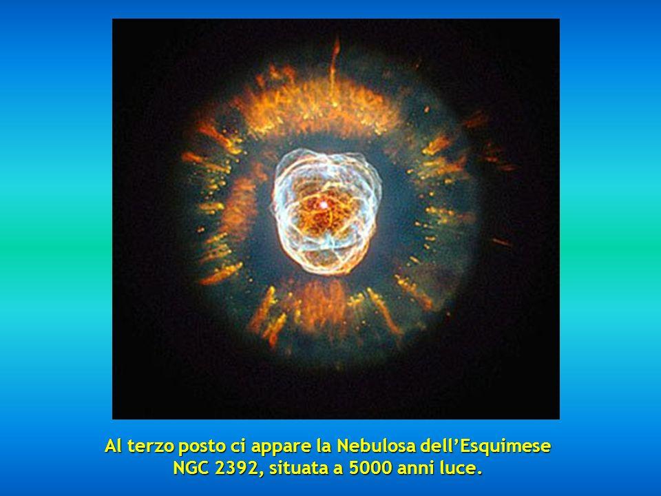 Al terzo posto ci appare la Nebulosa dell'Esquimese NGC 2392, situata a 5000 anni luce.