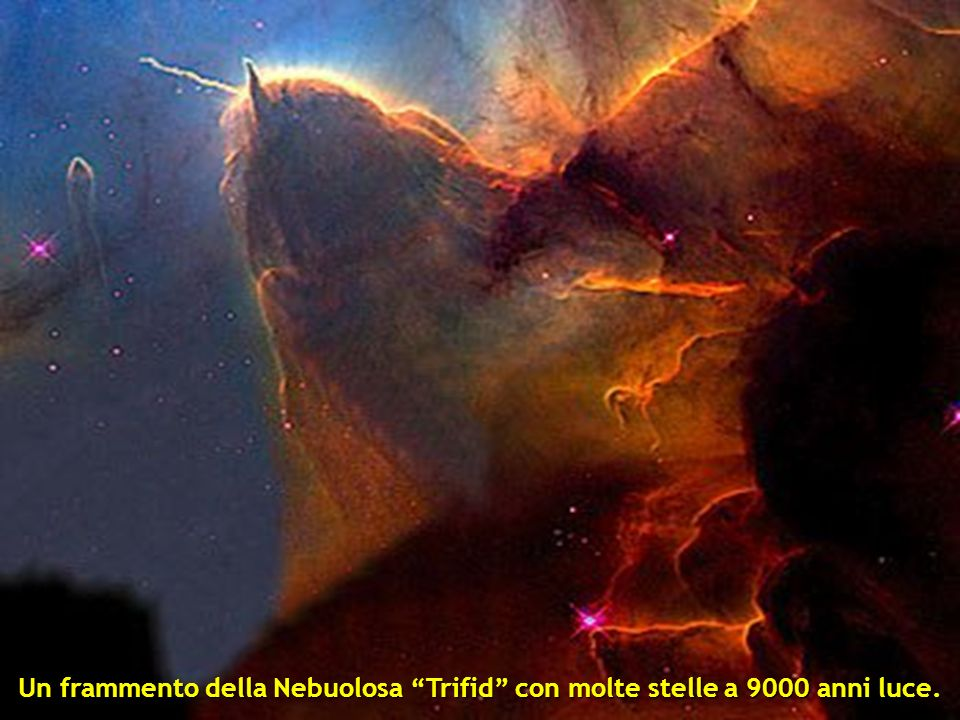 Un frammento della Nebuolosa Trifid con molte stelle a 9000 anni luce.
