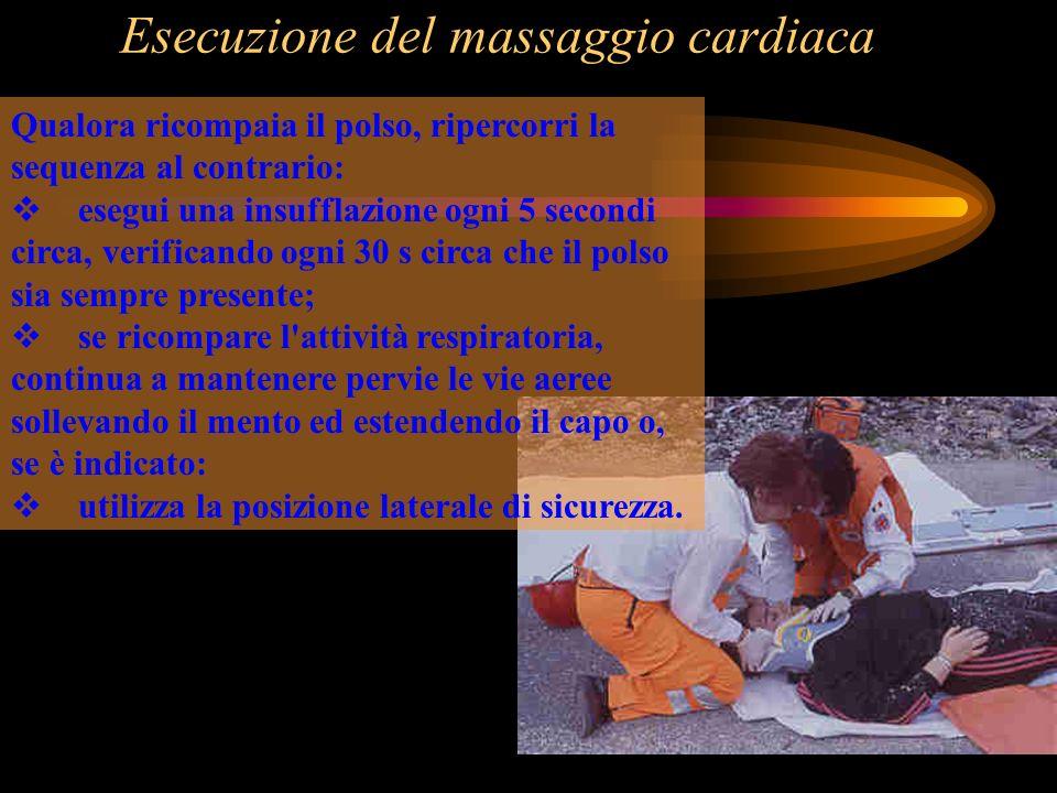 Esecuzione del massaggio cardiaca