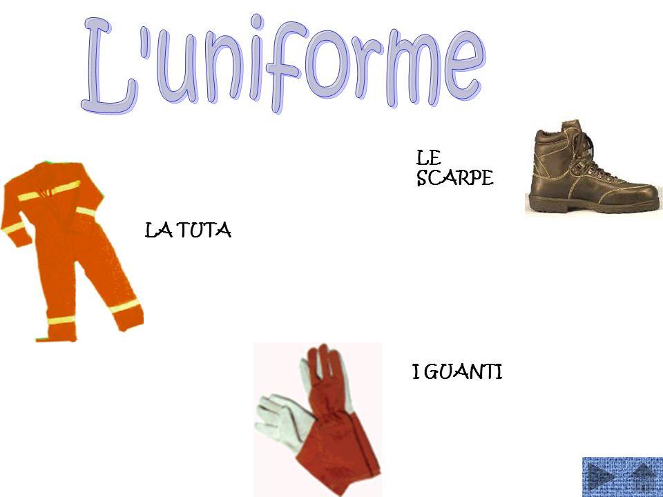 L uniforme LE SCARPE LA TUTA I GUANTI