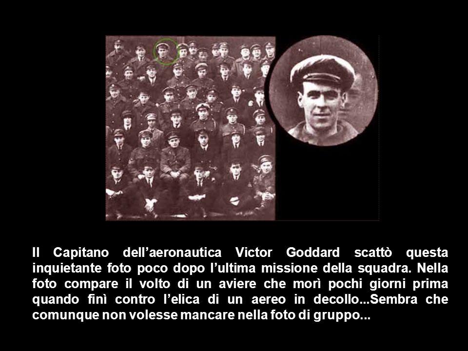 Il Capitano dell'aeronautica Victor Goddard scattò questa inquietante foto poco dopo l'ultima missione della squadra.