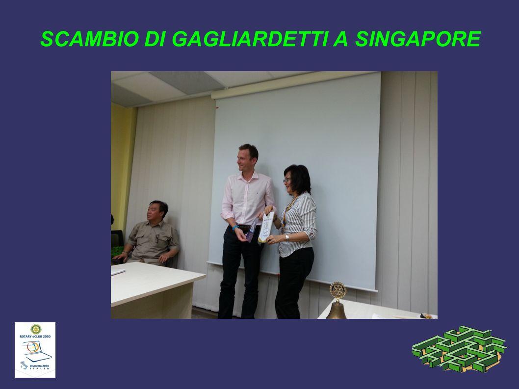 SCAMBIO DI GAGLIARDETTI A SINGAPORE