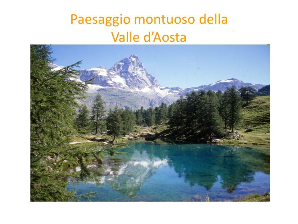 Paesaggio montuoso della Valle d'Aosta